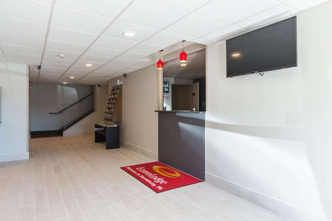 Econo Lodge Harrisburg - Harrisburg - Front desk