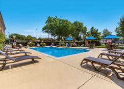 Comfort Inn Newport News - Hampton I-64 - Newport News - Pool
