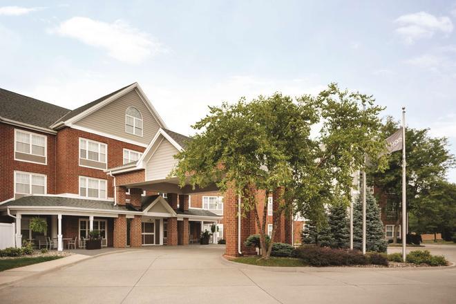 Country Inn & Suites by Radisson, Des Moines W, IA - Clive - Edificio