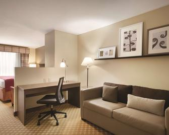 Country Inn & Suites by Radisson, Des Moines W, IA - Clive - Obývací pokoj