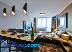 Luxury Apartments Ostrava - Ostrava - Sala de estar