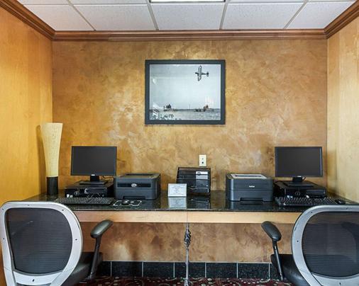 Comfort Suites Wichita - Wichita - Liikekeskus