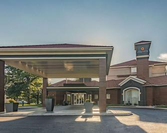 La Quinta Inn & Suites by Wyndham Oklahoma City Norman - Norman - Building