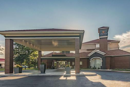 La Quinta Inn & Suites by Wyndham Oklahoma City Norman - Norman - Toà nhà