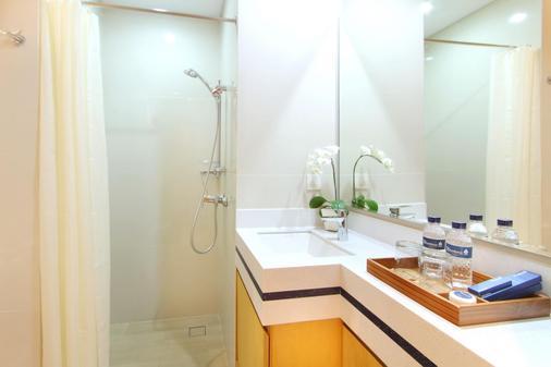 The Rhadana Kuta Bali - Kuta - Bathroom