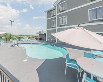 Holiday Inn Express Dandridge - Dandridge - Pool