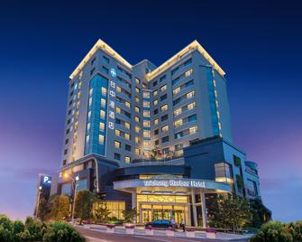 Taichung Harbor Hotel - Taichung - Building