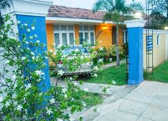 Marine Tourist Beach Guest House Negombo Beach - Negombo - Outdoor view