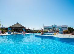 Hl Club Playa Blanca - Playa Blanca - Pool