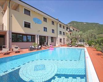 Blu Garda Hotel - Salò - Pool