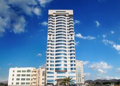 V Hotel Fujairah - Fujairah - Building