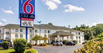 Motel 6 Columbia East - Columbia