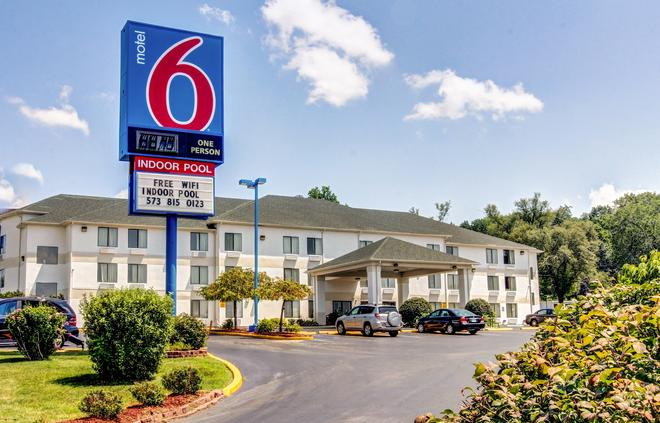 Motel 6 Columbia - East - Columbia - Building