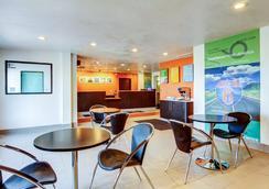 Motel 6 Columbia - East - Columbia - Restaurant