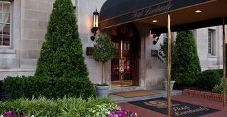 Hotel Lombardy - Washington - Hotel Entrance