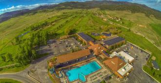 Fairmont Hot Springs Resort - Anaconda - Building
