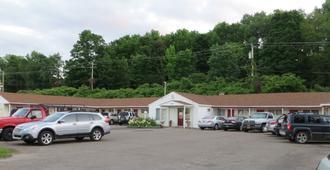 Cortland Motel - Cortland - Outdoors view
