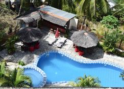 Tribal Hills Mountain Resort - Puerto Galera - Pool