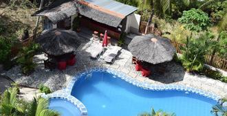 Tribal Hills Mountain Resort - Puerto Galera - Πισίνα