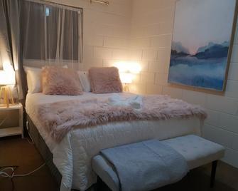 Rose Apartments Hamilton - Hamilton - Bedroom