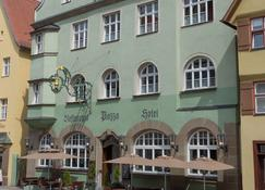 Hotel Restaurant Piazza - Dinkelsbühl - Building