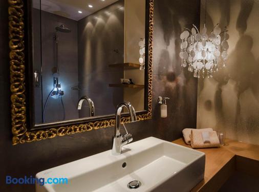 Hotel Post - Burghausen - Bathroom