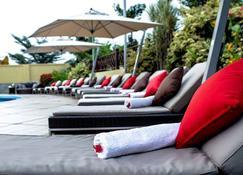Oak Plaza Hotel, East Airport - Acra - Patio