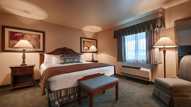 Best Western Miner's Inn - Yreka - Bedroom