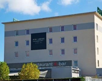 Aka Lodge Lyon Est - Meyzieu - Gebäude
