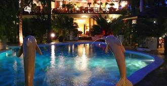 African House Resort - Malindi - Piscina