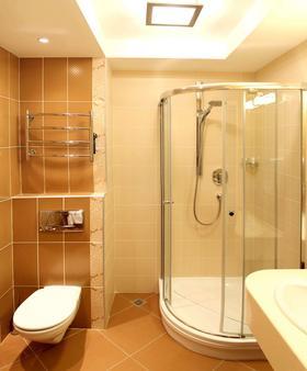 President Hotel - Kyiv - Bathroom