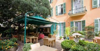 Hotel Oasis - Νίκαια - Βεράντα
