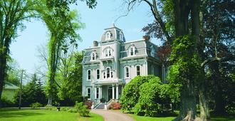 Queen Anne Inn - Annapolis Royal - Building