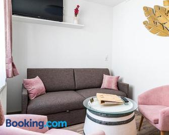 Winzerhof Lentsch - Jois - Living room