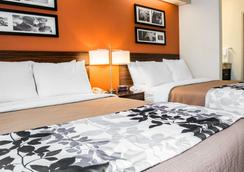 Sleep Inn Bridgeport-Clarksburg - Bridgeport - Bedroom