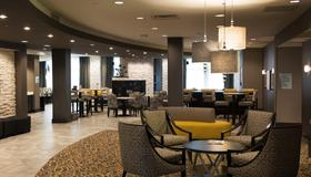 Holiday Inn Express & Suites Madison Central - Madison - Nhà hàng
