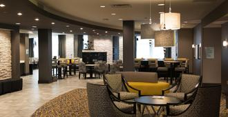 Holiday Inn Express & Suites Madison Central - מדיסון - מסעדה