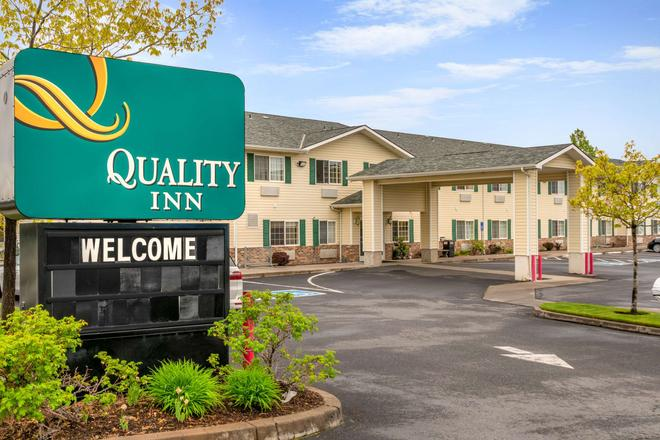 Quality Inn - Bend - Building