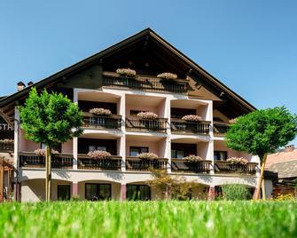Der Tröpolacherhof Hotel & Restaurant - Tröpolach - Будівля