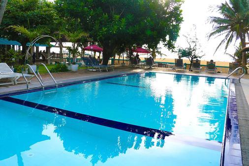Topaz Beach Hotel - Negombo - Bể bơi