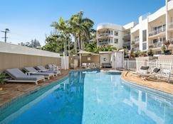 Kirra Palms Holiday Apartments - Coolangatta - Pool