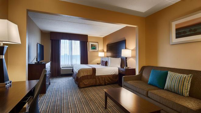 Best Western Plus Harrisburg East Inn & Suites - Harrisburg - Makuuhuone