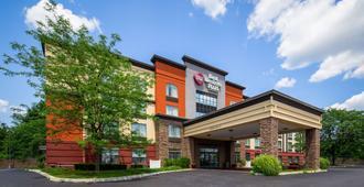 Best Western Plus Harrisburg East Inn & Suites - האריסברג