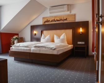Parkhotel Völklingen - Voelklingen - Bedroom