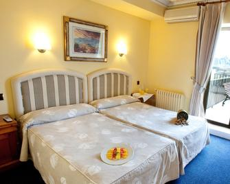 Hotel Restaurante Marixa - Laguardia - Schlafzimmer