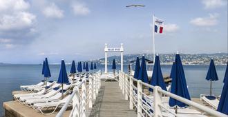 Hotel Belles Rives - Antibes - Toà nhà