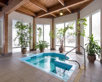 Holiday Inn Montreal-Longueuil - Longueuil - Pool