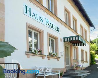 Hotel Haus Bauer - Bad Berneck im Fichtelgebirge - Gebäude