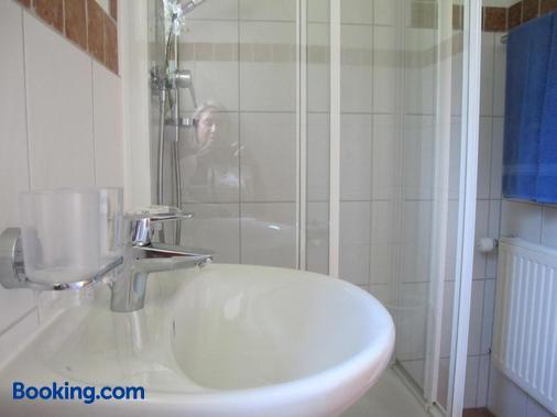 Gastehaus Bergstuberl - Reit im Winkl - Bathroom