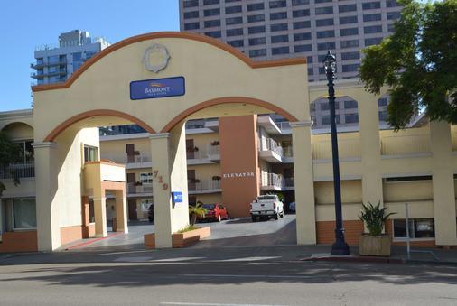 Baymont by Wyndham San Diego Downtown - San Diego - Building